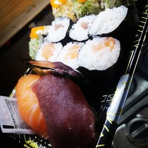 Japan Street Food Paisley - Salmon Sushi Platter